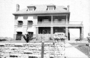 Original house shortly after completion, 1906