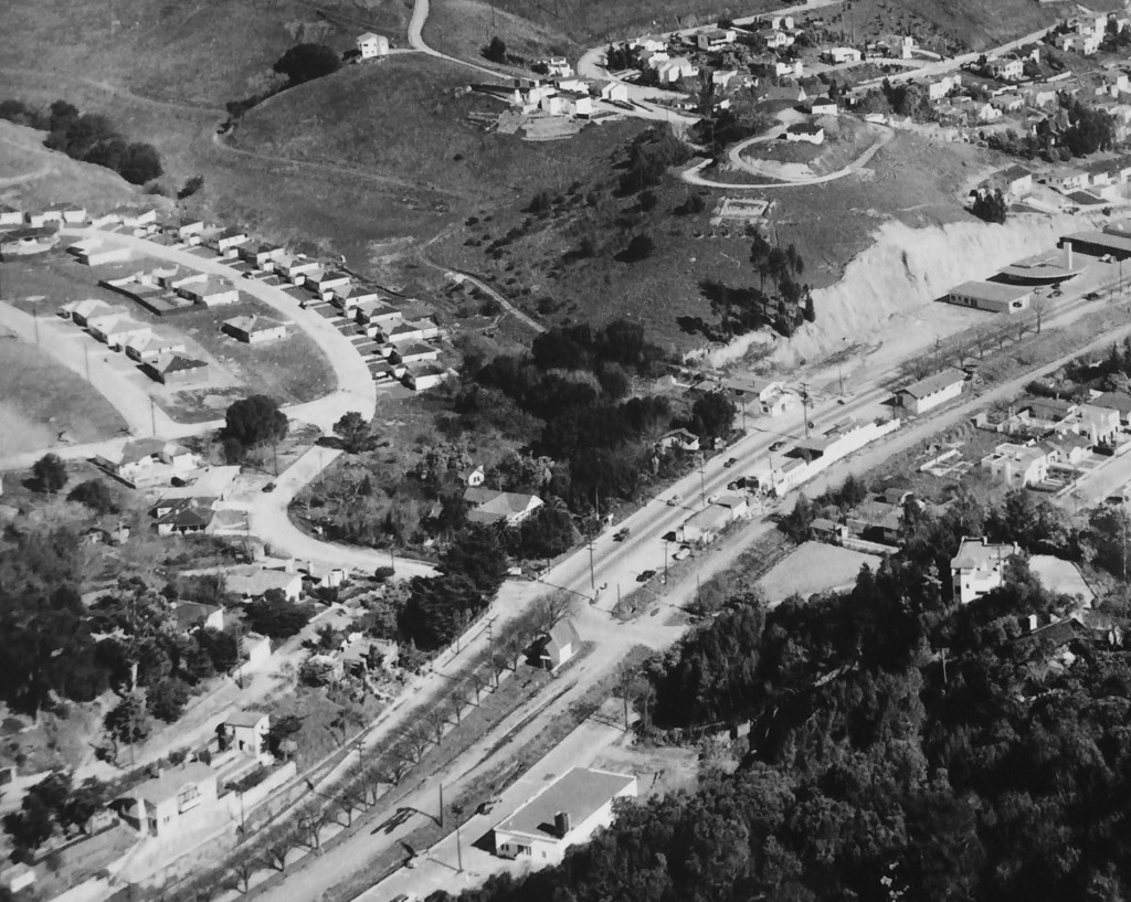 Aerial view of the new Hilldale Park subdivision. Carolina Farm and Jordan home in center, 1948. Courtesy Marin History Museum.
